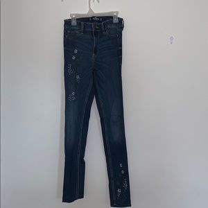high rise skinny jeans w floral Embroidery